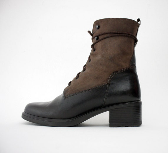 Vintage boots. two tone brown suede leather ankle lace up boots. size 40/9