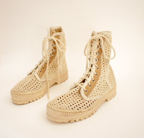 Vintage boots / creme canvas woven spring booties/ size 38-39 7.5-8
