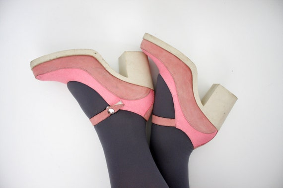 Vintage shoes / pink chunky heel mary janes / size 37-7