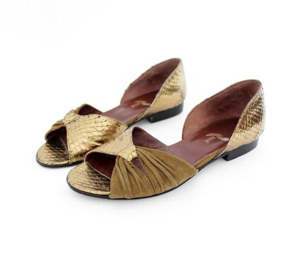 Vintage shoes. gold tone snake sandals. size 36/6