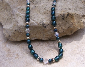 Emerald Green Pearl Necklace with Swarovski Crystals
