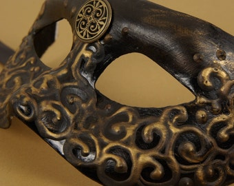 Arcano Mask, Black and gold eyemask with 3D swirls and gold embellishment