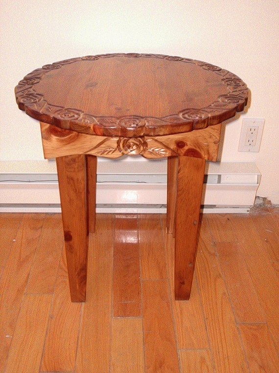 Pine table round end table coffee table for Round pine coffee table