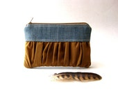 Black Friday Sale - 20% OFF - Prices reduced -  Zipper pouch, purse - The True Romantic Coin Purse in jean / brown