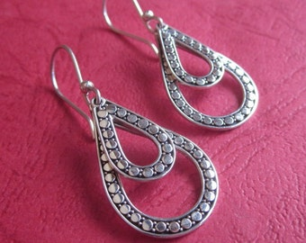 Elegant Sterling Silver dangle Earrings / 1.75 inch long /  silver 925 / Bali handmade jewelry