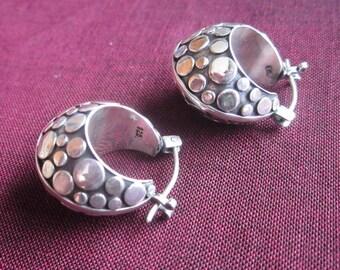 Beautiful Sterling Silver Hoop Earrings / silver 925 / Bali handmade jewelry / size 0.8 inch