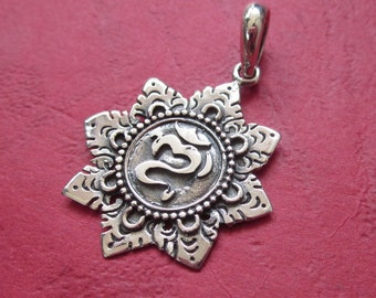 Balinese sterling Silver Om Mantra pendant charm / silver 925