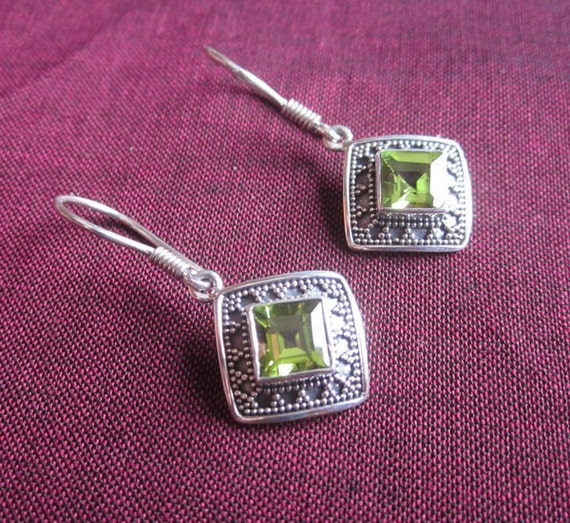 Awesome 925 Sterling Silver Peridot Dangle Earrings / Silver handmade jewelry.