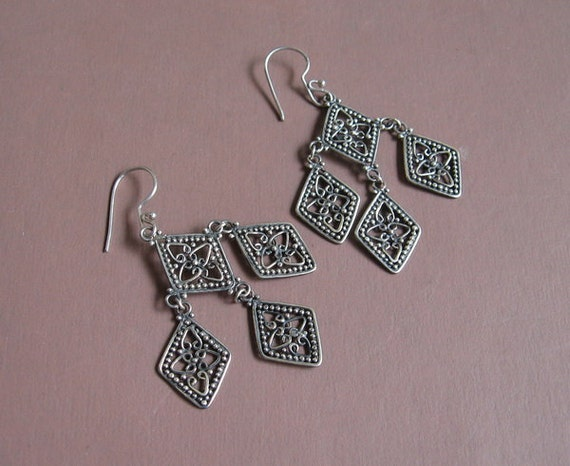 Bali Sterling Silver chandelier Earrings / silver 925 / Balinese Handmade Jewelry