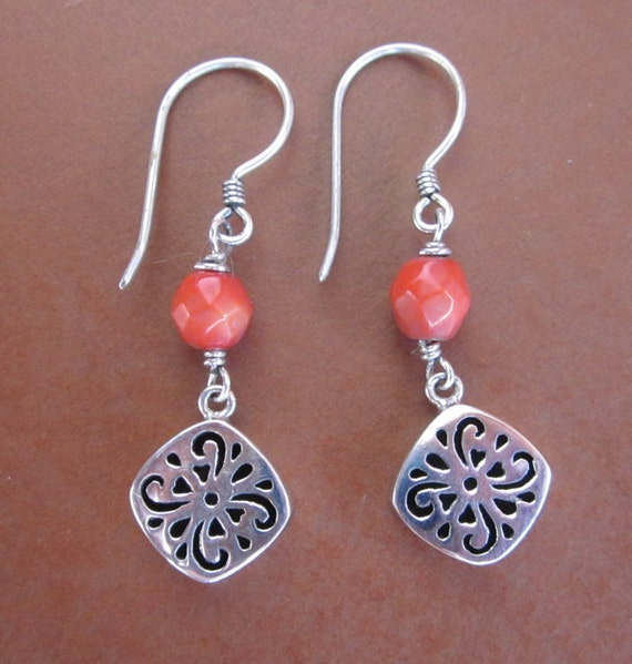 Awesome Sterling Silver coral Dangle Earrings / Bali handmade jewelry / silver 925