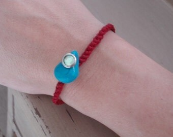 Red Brecelet fashion and luck A turquoise garlic on top protects the evil eye by kabbalah string