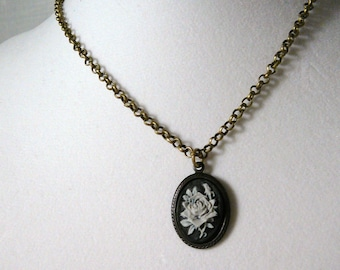 Necklace, Black, Gray, Rose, Cameo, Brass  4121
