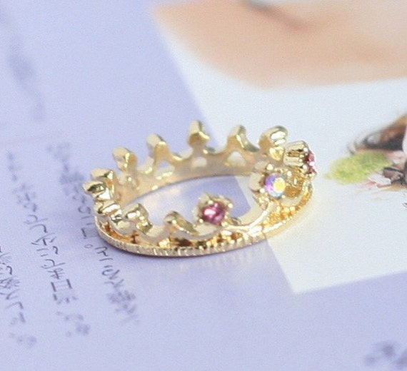 Princess Crown Ring by debbychoi79 on Etsy