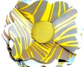 Yellow, Gray and White Flower Pin/Hair Clip