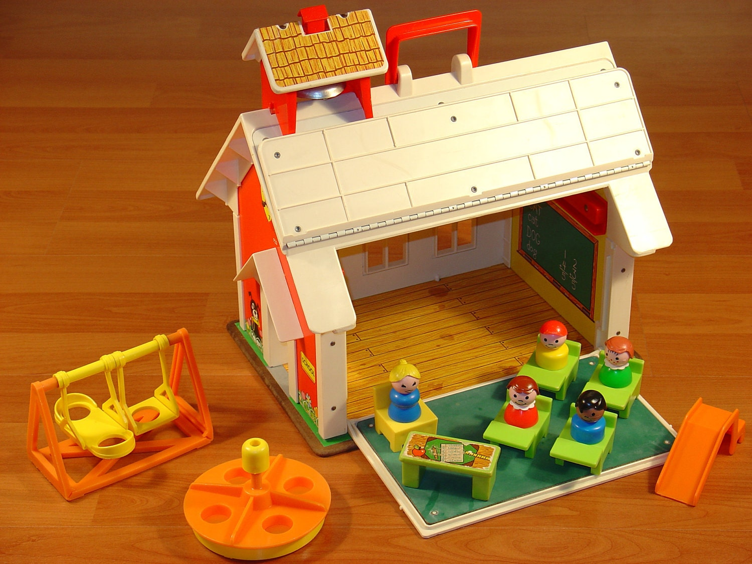 Toys For School : Vintage fisher price little people family play school house
