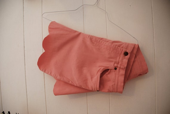 ON SALE Salmon scalloped stretchy high waisted shorts