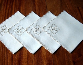 Linen TABLECLOTH embroidered corner flowers Madeira stitching 4 NAPKINS