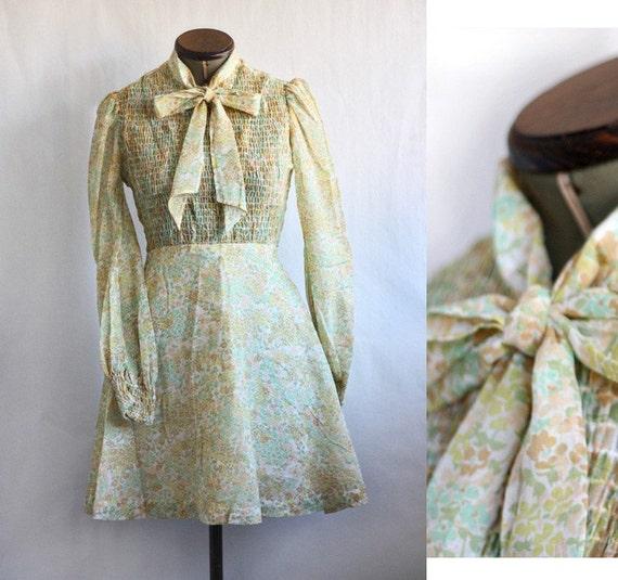 vintage 1960's or 70's Floral bow dress S M