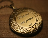 Locket, Round, Twilight, Breaking Dawn, Plus que ma propre vie, More than my own life, Antiqued Brass  - RENESMEE