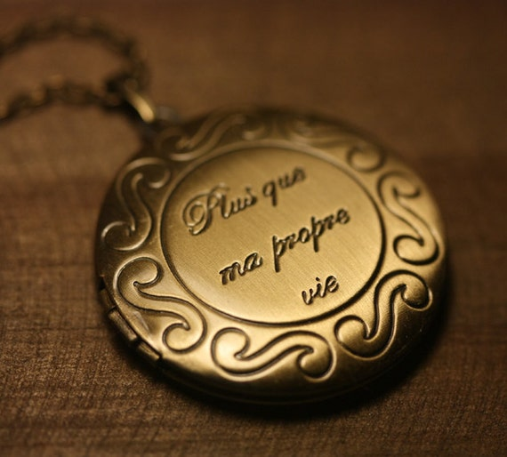 25% OFF - Locket, Round, Twilight, Breaking Dawn, Plus que ma propre vie, More than my own life, Antiqued Brass  - RENESMEE
