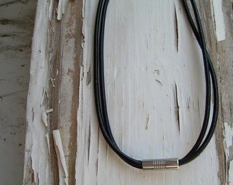 how to keep necklace clasp in back