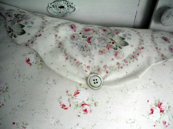Shabby Chic Pillow Envelope Style with Pink Roses and Romance