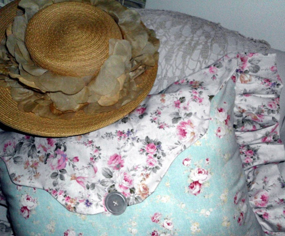 Pillow Shabby Chic Symphony in Blue and Roses