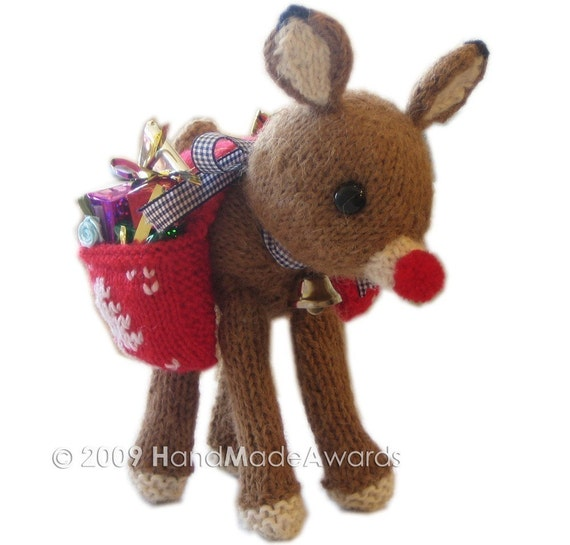 Rudolph Knitting Pattern : Christmas RUDOLPH REINDEER with Saddlebag full of Presents pdf