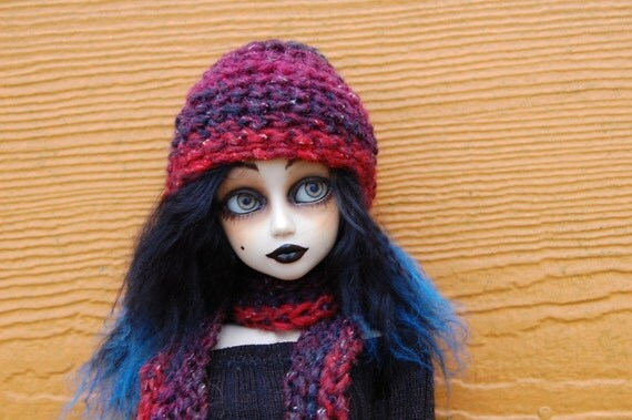 Black Rasperry hat and scarf for SD dolls