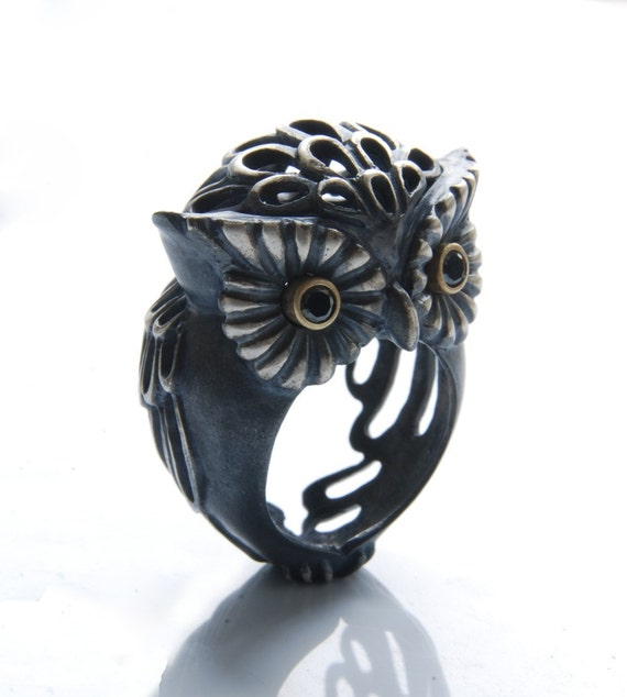 Owl (Puhu) Ring (Comes with Climbing Man Pin Gift )