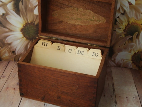 Vintage 1930's Mead Recipe Box - Wood with Dovetail Joints - Label Inside Lid