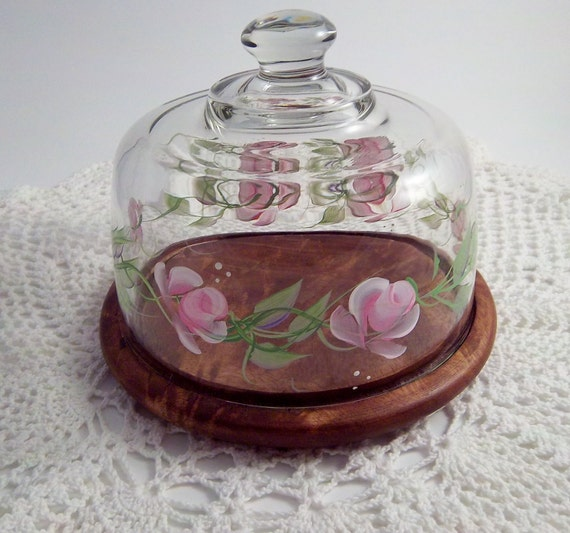 Handpainted Cheese Dome features roses with green/lilac leaves.