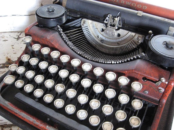 TREASURY ITEM...1926 Red Underwood Four Bank Portable Typewriter and case
