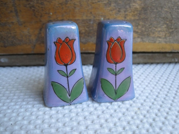 Vintage Red Tulip on Blue Luster Salt and Pepper Shakers made in Japan