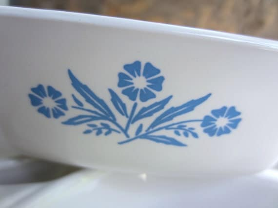 Vintage Cornflower Blue Pattern Petite Pan Small Casserole Baking Dish