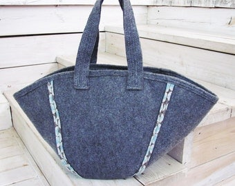 Kimono Bag G -------- InsideOut Cotton and Felt. Hand Bag--- grey- other side: blue- shopping bag