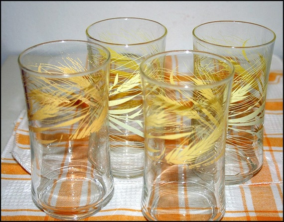 VINTAGE PAIR OF WHEAT GLASSES