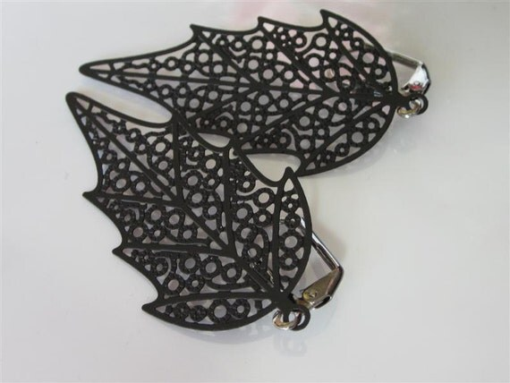 Woodland Earrings-Black Laser cut Filigree Leaf Dangle
