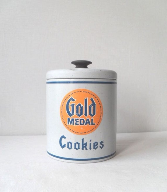 Vintage Gold Medal Cookies Tin by Ransburg