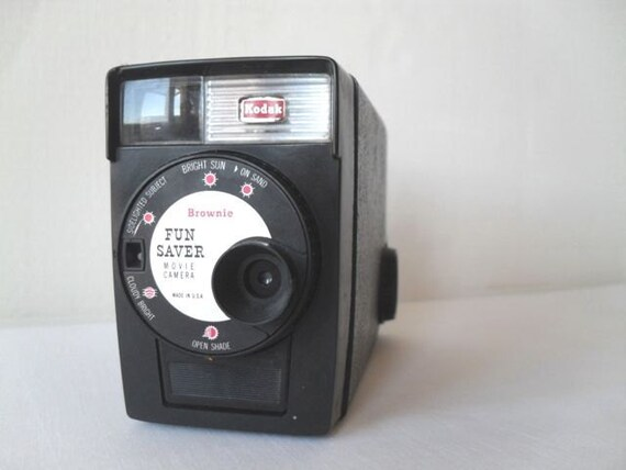 Vintage Movie Camera Brownie Fun Saver