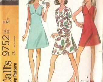 Vintage Misses dress McCalls 9752 size 10 bust 32 1/2 inches sewing pattern printed 1969