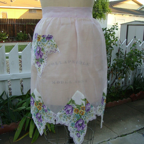 Vintage 1950s Apron - Lilac And White Floral With Handkerchief Hem - Homemade