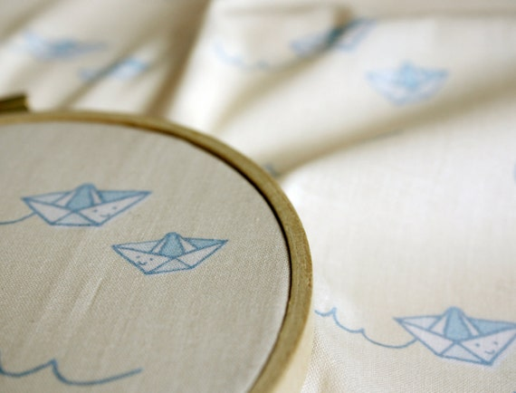Boosterseat Fabric - Paper boats