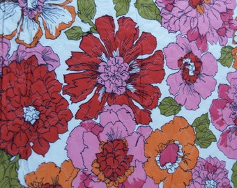 two pieces VTG quilted fabric: large flowers...