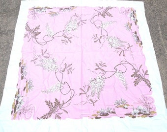1950s PRINT KITCHEN TABLECLOTH -White Wisteria on Pink