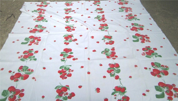 1950s Print Kitchen Table Cloth - STRAWBERRY FIELD