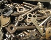 5 Antique / Vintage Keys