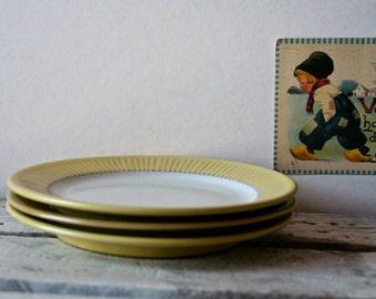 Vintage Fris Edam Holland Midcentury Dessert Plates X3 Vintage Cleopatra Dutch Modern