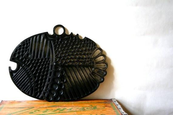 Vintage Dansk Denmark Plastic Fish Hanging Trivet Black SALE was 28