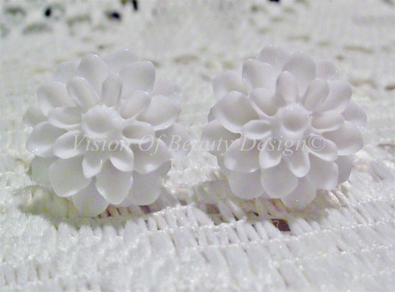 White Dahlia Chrysanthemum Flower Clip On Earrings. Choose your colors, Vintage Style
